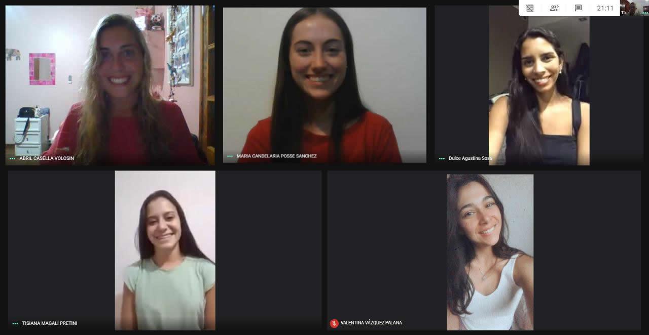 Cinco estudiantes de la Licenciatura en Administración premiadas