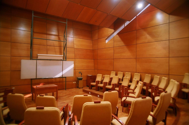 graduados auditorio vacio